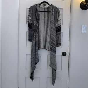 GODDIS BLACK AND WHITE HOODED KNIT SWEATER  S/M